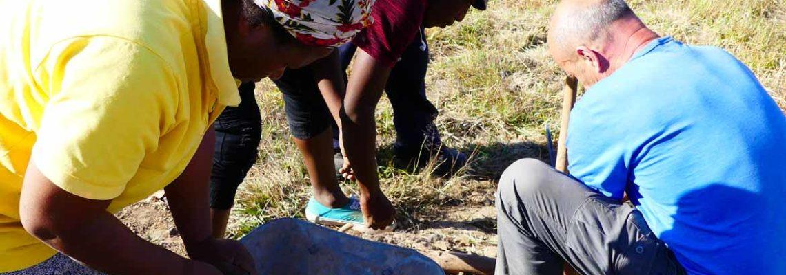 Préparation de la pépinière – Mamohato Children Center